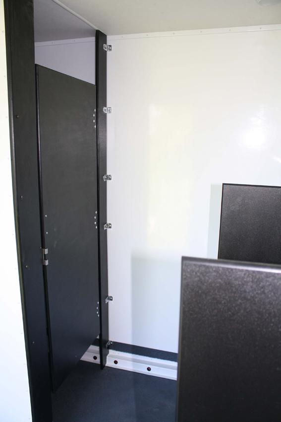 Shower Combo Men's Interior